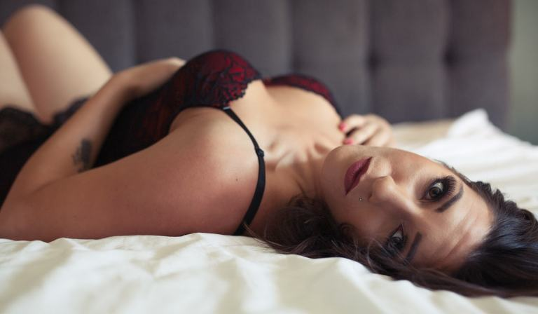 Celebrate your sexy with a Contemporary Boudoir Session from Berlin Green Creative.