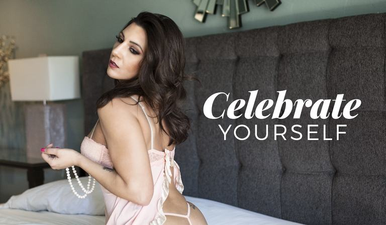 Celebrate yourself with a Contemporary Boudoir Session from Berlin Green Creative.